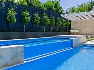 bazen s toplim bazenom za kupanje